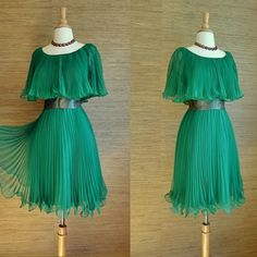 Vintage 1960s kelly green chiffon pleated cocktail dress (small) - #bitterrootvintage