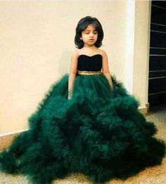 WHATSAPP ME 00923064010486 Kids Frocks, Girls Dresses, Formal Dresses, Fairytail, Daughters, Ball Gowns, Snow White, Fashion, Fitted Prom Dresses