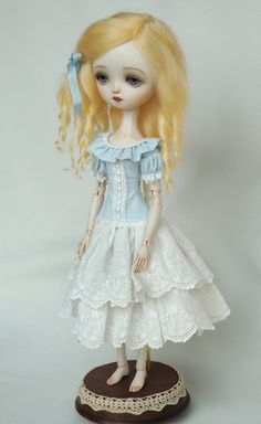 Julie Blue - Porcelain ball jointed doll BJD
