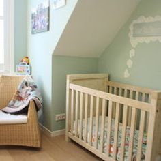Houzz Tour: Cheerful family home shines with vintage touches - traditional - kids - amsterdam - Holly Marder Green Front Doors, Front Door Colors, Farrow And Ball Paint, Farrow Ball, Pretty Baby, Nursery Decor, Nursery Ideas, Victorian Homes, Cottage Style