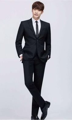 21 個 men in Black photo Asian Actors, Korean Actors, Lee Jong Suk Shirtless, Korean Celebrities, Celebs, Sung Hoon My Secret Romance, Man In Black, Business Attire For Men, Latin Men