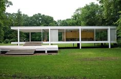 Casa Farnsworth (1946-1951) ubicada en Plano (lllinois,Estados Unidos) , es una vivienda unifamiliar del siglo XX, esta construida en acero y vidrio.