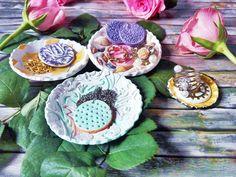 Levegőn száradó gyurmából ékszerek és dekorációs tálkák elkészítését itt mutatom meg: http://kerekecskevilagocska.blog.hu/2017/04/20/keszits_velem_ekszereket_es_dekortalkakat_gyurmabol