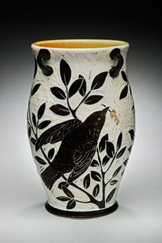 Karen Newgard: Crow-and-Key-Vase Ceramic Pottery, Ceramic Art, Pottery Designs, Pottery Ideas, Native American Pottery, Crows Ravens, Pottery Techniques, Pottery Sculpture, Sgraffito