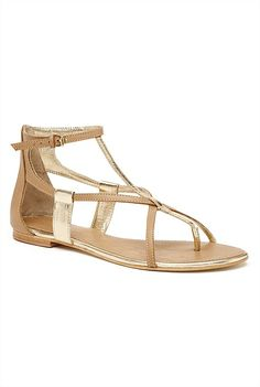 Tan sandals scream summer to me - comfortable and cute. Roman Sandals, Gladiator Sandals, Shoes Sandals, Work Fashion, Me Too Shoes, My Style, Boots, Leather, How To Wear