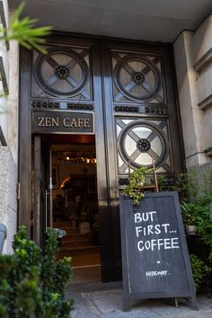 5 of the Prettiest Cafés in London - Annie Fairfax Zen Café London City Guide the Official Travel Gu London City Guide, London Cafe, Travel Illustration, Travel Design, London Travel, Travel Europe, Best Places To Eat, Cool Landscapes, Travel Aesthetic