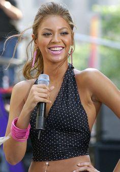 pink lipstick Elena Gant, Crazy Lipstick, Laila Ali, Beyonce Style, Who Runs The World, Body Inspiration, Queen Bees, Role Models, Black Women