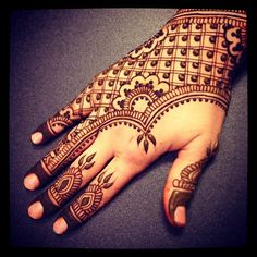 I'm all #hennaed up for the weekend. #Vermonters, come find me tomorrow morning…
