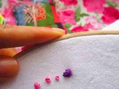Cómo hacer el nudo francés o punto de nudo. Hice esta puntada utilizando distintos hilos y vueltas para que vieran el resultado que se obtiene. Más explicaci... Tambour Embroidery, Cute Embroidery, Hand Embroidery Designs, Cross Stitch Embroidery, Types Of Stitches, Needle And Thread, Handicraft, Crochet, Diy Crafts