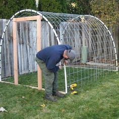 I like this simple greenhouse.  step by step DIY greenhouse    homesteadsurvival...