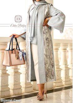 Modest Fashion Hijab, Pakistani Fashion Casual, Abaya Fashion, Fashion Outfits, Womens Fashion, Iranian Women Fashion, Russian Fashion, Creative Fashion Photography, Casual Dresses