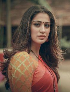 Top 100 Hottest Desi Girls Wallpapers of Pakistani Indian Girls Indian Actress Photos, Indian Bollywood Actress, Beautiful Bollywood Actress, South Indian Actress, Beautiful Actresses, Indian Actresses, Beautiful Girl Indian, Most Beautiful Indian Actress, Beautiful Women