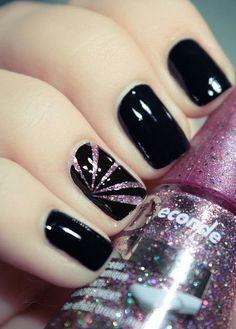 Simple yet fun Black & Glitter Nailart