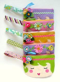 cheap hobo purses that matches with your attire Cute Coin Purse, Felt Purse, Felt Bags, Diy Sac Pochette, Diy Bags Purses, Coin Purses, Felt Fabric, Kids Bags, Cute Bags