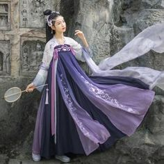 Korean Traditional Dress, Traditional Fashion, Traditional Dresses, Imperial Clothing, Dynasty Clothing, Oriental Dress, Fantasy Dress, Chinese Clothing, Fashion Design Sketches