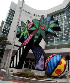 Romero Britto art, main entrance to Miami Beach