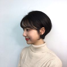 홀컷 New Haircuts, Short Hairstyles For Women, Hairstyles Haircuts, Girl Short Hair, Cut And Style, Hair Goals, Short Hair Styles, Hair Makeup, Hair Cuts