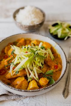 Cari de poulet - K pour Katrine Indian Food Recipes, Gourmet Recipes, Ethnic Recipes, International Recipes, Thai Red Curry, Seafood, Clean Eating, Food And Drink, Vegetarian