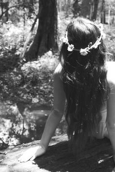 So yeah this summer i wanna wear flowers in my hair