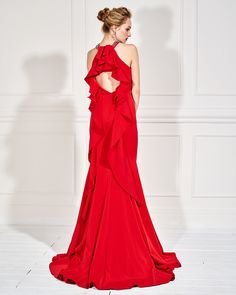 0ffe3eed4640 Βραδυνά Φορέματα   Βραδινό φόρεμα μακρύ με κέντημα στο λαιμό και μικρό  άνοιγμα στην πλάτη
