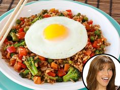 Make ginger fried rice for just 266 calories a serving! http://greatideas.people.com/2014/05/05/hungry-girl-healthy-fried-rice-chinese-food-recipe-hugh-jackman/