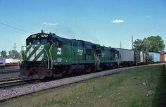 https://flic.kr/p/tkJA62 | Burlington Northern GE U-30-B 5797 | <b><i>Omaha, Nebraska</i></b>