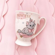 Uploaded by 💗𝘱𝘪𝘯𝘬 𝘱𝘳𝘪𝘯𝘤𝘦𝘴𝘴💗. Find images and videos about disney, princess and cup on We Heart It - the app to get lost in what you love. Pink Princess, Princess Palace, Disney Princess, Pink Water Bottle, Marie Cat, Disney Cups, Disney Dream, Disney Magic, Blue Perfume