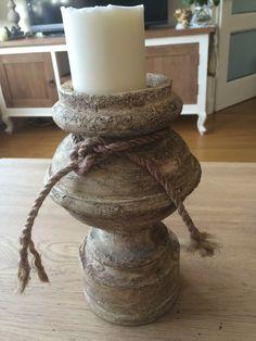 Oude eiken lampevoet bewerkt met muurvuller,koffieprut,aarde en gras
