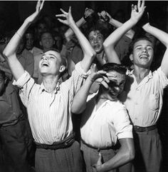 Jean Dieuzaide, Dansers of Triana, Seville, 1951. Learn Fine Art Photography - https://www.udemy.com/fine-art-photography/?couponCode=Pinterest22