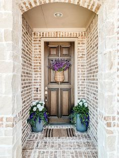 Tutorial on how to arrange and use artificial flowers and plants in outdoor planters. #ABlissfulNest #gardening #outdoorplanters Artificial Flowers And Plants, Fake Plants Decor, Tall Plants, Fake Flowers, Plant Decor, Porch Plants, Potted Plants, Faux Outdoor Plants, Outdoor Planters