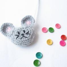 Crochet this cute mouse tape measure cozy!