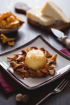 I finferli sono tra i funghi più buoni da accostare con Grana Padano. Yummy Appetizers, Appetizer Recipes, Tasty, Yummy Food, Baking Tips, Finger Foods, New Recipes, Food And Drink, Cooking