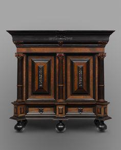 THE NETHERLANDS (manufacturer) Cushion cupboard 1659