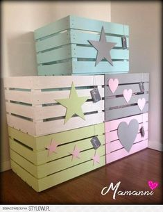 Stylowi.pl - Odkrywaj, kolekcjonuj, kupuj Wood Crates, Wood Boxes, Baby Room Decor, Nursery Decor, Kids Decor, Diy Home Decor, Crate Crafts, Diy Casa, Girl Bedroom Designs