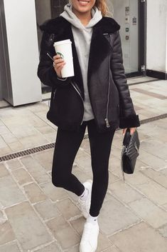 30 beautiful autumn and winter outfits Lazy Outfits autumn beautiful outfits Winter Casual Dress Outfits, Casual Winter Outfits, Winter Fashion Outfits, Autumn Winter Fashion, Fall Outfits, Japan Outfit Winter, Hijab Fashion, Fall Fashion, Tokyo Fashion