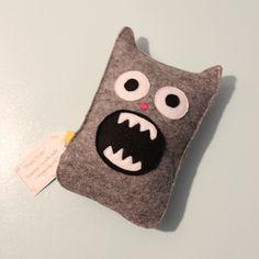 Monsterputa Throw Pillows, Bed, Toss Pillows, Cushions, Stream Bed, Decorative Pillows, Beds, Decor Pillows, Scatter Cushions