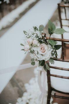 Ivory and blush aisle flowers. Ceremony decor. Franciscan Gardens – Orange County Wedding – Jean & Roger | Agape Planning #weddingdecoration #weddingflowers