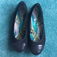 Brand New Sketches Black Flats (w Sequins) brand new never worn! great shoes for work because they're comfortable and great for fashion (they have sequins on the toe and heal area!) super cute flats! tag is the sticker on the bottom! Skechers Shoes Flats & Loafers