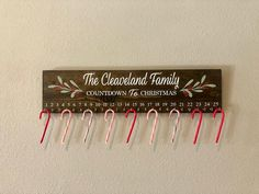 Christmas Pallet Signs, Christmas Decals, Holiday Signs, Christmas Wood, Christmas Crafts, Christmas Ornaments, Holiday Ideas, Christmas Stuff, Christmas Time