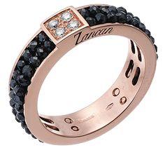 Эффектное золотое кольцо с черными бриллиантами эксклюзивного дизайна.  Великолепный подарок для тех, кто стремится 3b3912cac7f