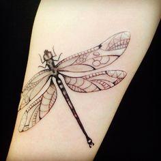 #dragonfly #libelula #trollslända #amandachanfreau #tattoo #tatuering #malmötattoo #aprentice #lärling #malortmalmo #malört #malörtmalmö #sweden #åland #finland #art #konst by amandachanfreau