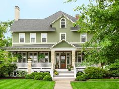 Visit this stunning 3,000 sq. ft. home in Cleveland, Ohio #curbappeal #hgtvmagazine // http://www.hgtv.com/design/outdoor-design/landscaping-and-hardscaping/the-united-states-of-curb-appeal-pictures?soc=pinterest