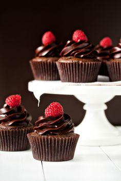Chambord Cupcakes Cupcakes para cumpleaños de tus peques. Adquiere los moldes y los utensilios para realizar cupcakes en http://milejardin.com/menaje-del-hogar/productos-reposteria-silicona