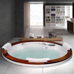 Se você já gosta de relaxar no banho imagine só com uma banheira de hidromassagem na sua casa! Pode ter certeza que vai aproveitar muito!