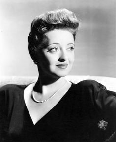 the bette davis: Now Voyager Old Hollywood Movies, Old Hollywood Glamour, Hollywood Actor, Hollywood Stars, Classic Hollywood, Hollywood Lights, Vintage Hollywood, Bette Davis Old, Bette Davis Eyes