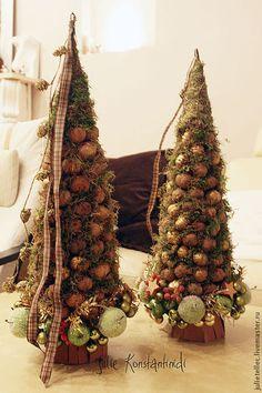 Елочка Грецкий орех - оливковый,оригинальная елка,настольная елка,композиция
