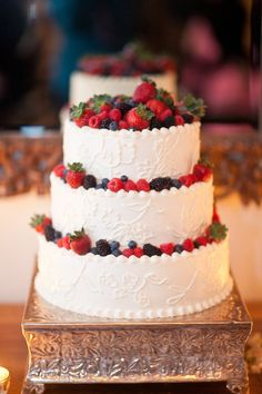 Berry-Laden Wedding Cake from San Ysidro Ranch Wedding! Photography by mibelleinc.com