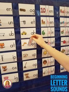 Beginning Letter Sounds Pocket Chart Sort. This would be great for large or small group instruction. Kindergarten Centers, Preschool Learning Activities, Alphabet Activities, Kindergarten Reading, Kindergarten Classroom, Letter Sound Activities, Beginning Sounds Kindergarten, Phonics Centers, Speech Therapy