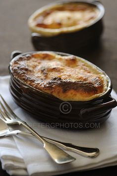 Vegetarian Pastitsio ... a new twist on Aunt Sophie's gift from http://souvlakiforthesoul.com/vegetarian-pastitsio-pies