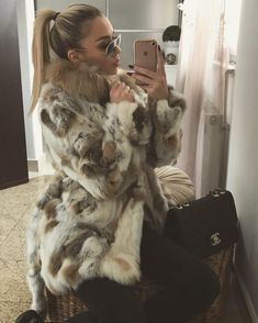 Fur Fashion, Fashion Models, Womens Fashion, Fox Fur Coat, Rabbit Fur, Ponytail, How To Look Better, Glamour, Stylish